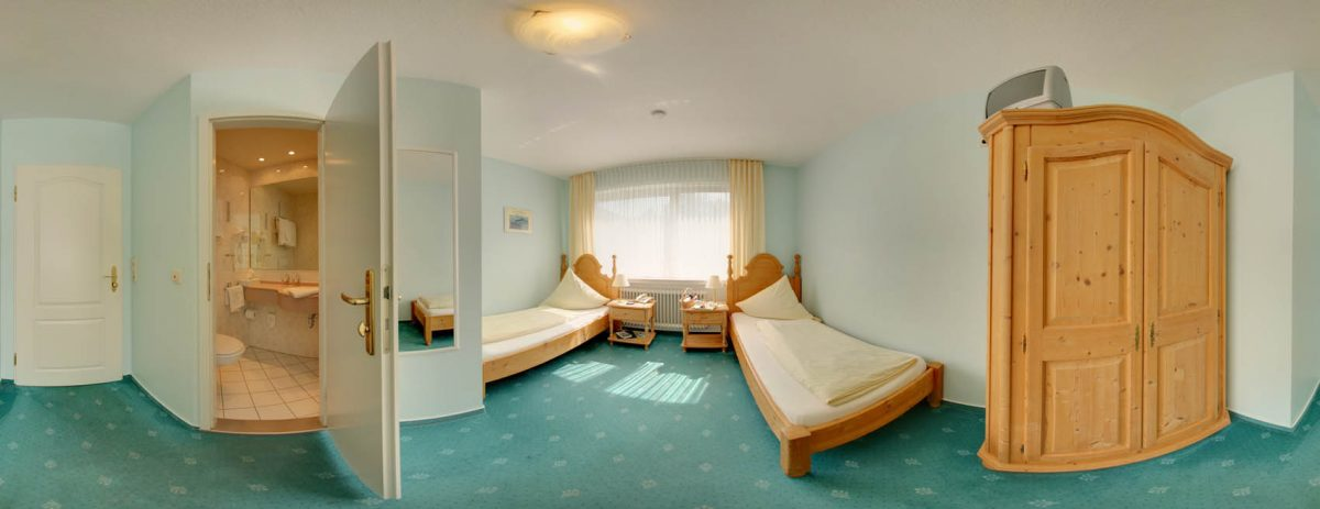 Guest room with single beds