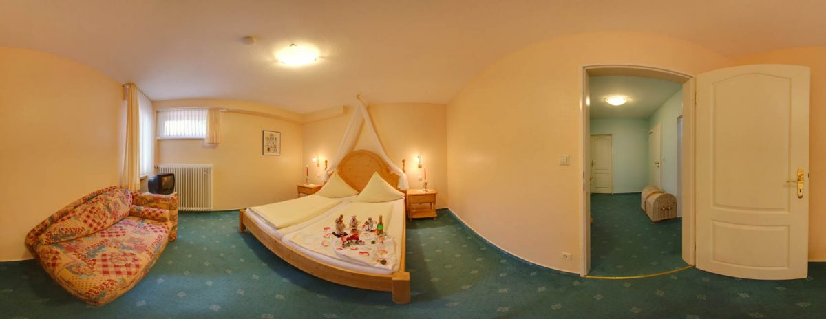 Family room with double bed